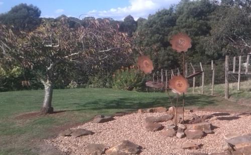 sunflower_steel_sculptures_tasmania_nw